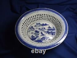 19c CANTON CHINESE EXPORT BLUE & WHITE RETICULATED PORCELAIN BASKET & Underplate