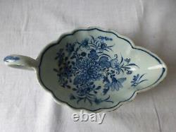 Antique 18th C chinese blue and White porcelain cup bowl