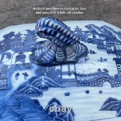 Antique Chinese Export Blue and White Porcelain Tureen, Qianlong period