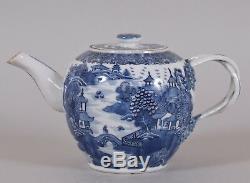 Chinese Porcelain Teapot Qianlong Qing Dynasty Blue White Circa 1790 Nanking